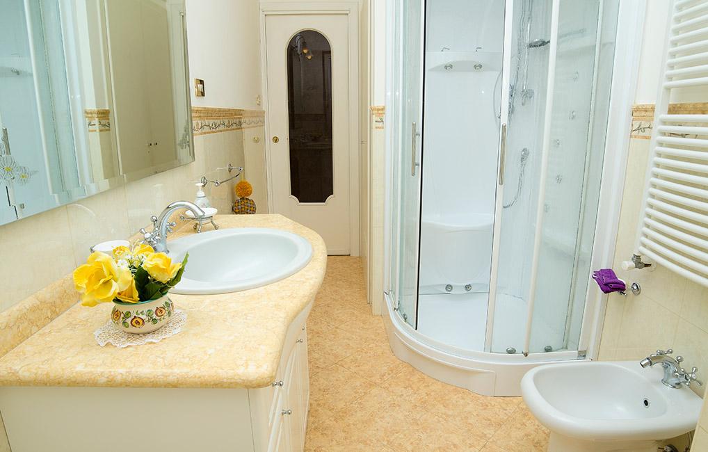 Appartamenti in affitto minori casa raffelina case for Soggiorni low cost